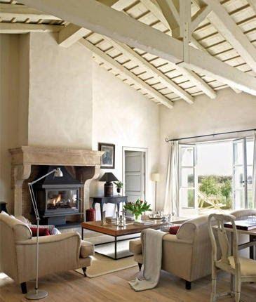 """""""A vidéki otthon"""": Ház látszó gerendákkal.."""