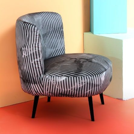 Simple and round lines for a modern taste | This is Gimme Shelter Side Chair by Diesel with Moroso http://www.malfattistore.it/product/gimme-shelter-side-chair/ | #malfattistore #homedesign #madeinitaly #shoponline #armchair #livingroom #modernfurniture