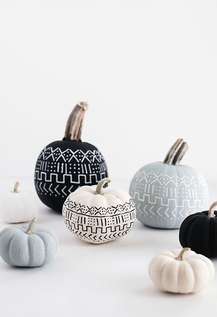 How adorable are these DIY Mud Cloth Pumpkins?