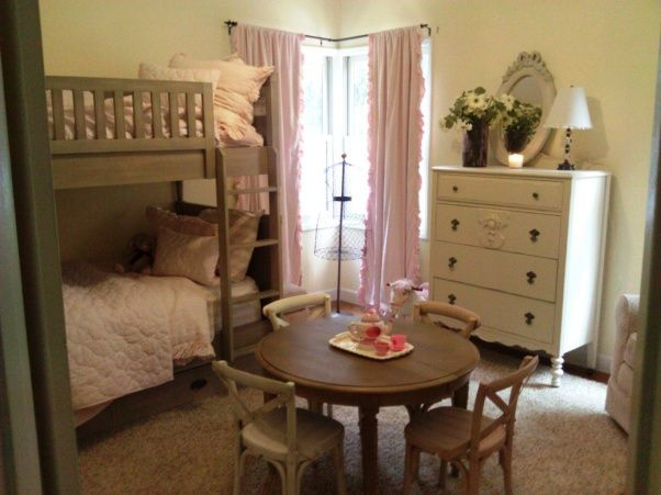 17 best ideas about two girls bedrooms on pinterest shared rooms sister bedroom and kids bedroom - Beds for tween girls ...