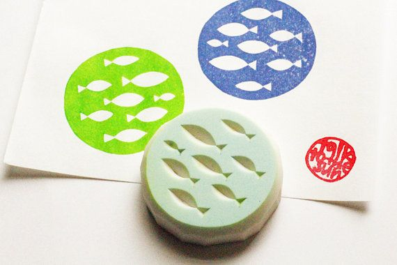 fish circle stamp. aquarium hand carved rubber stamp. ocean stamp. diy birthday. summer holiday craft projects. card making. gift wrapping