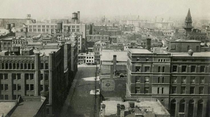 Toronto downtown, circa 1910. Looking west along Melinda St. from Traders' Bank Bldg, north east corner Yonge & Colborne Sts. - Courtesy of the Baldwin Collection, Toronto Public Library.