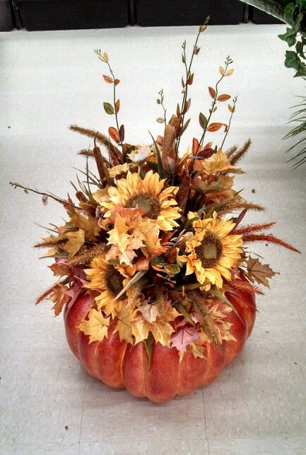 Pumpkin floral arrangement, great for the front step!