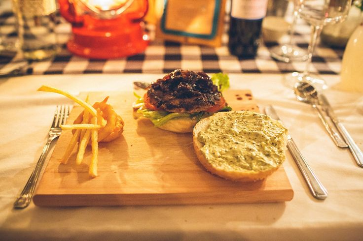 Wedding reception, delicious gourmet beef hamburgers with basil pesto mayo, onion marmalade & gouda http://www.kikitography.com/project/dirk_and_ulrike/
