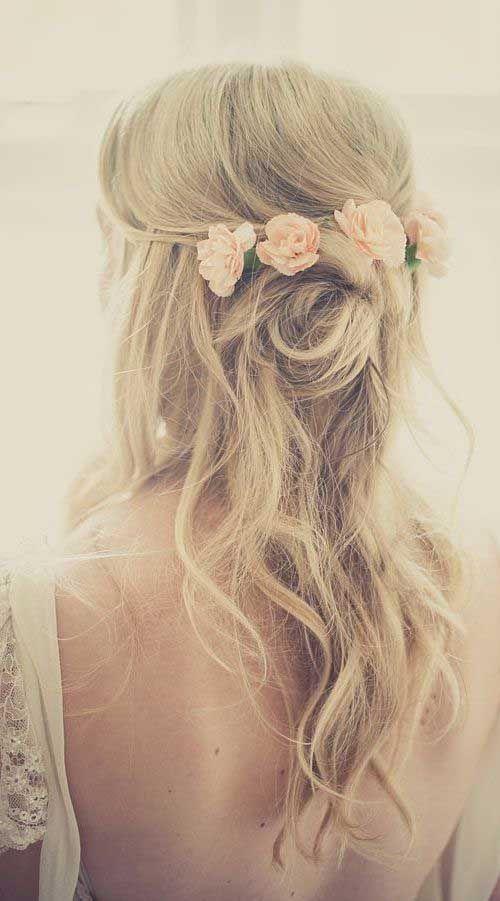 die Haare Halb-Up-Hälfte-Down für Hochzeit