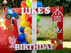Tema cumpleaños cabina fiesta decoración madera granja