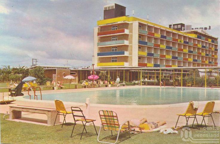 Lennons Broadbeach Hotel