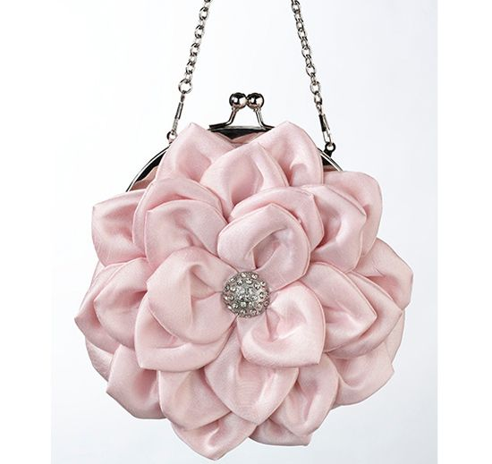 Pink Flower Purse...maybe not this one but this is a cute gift idea for the little geel's
