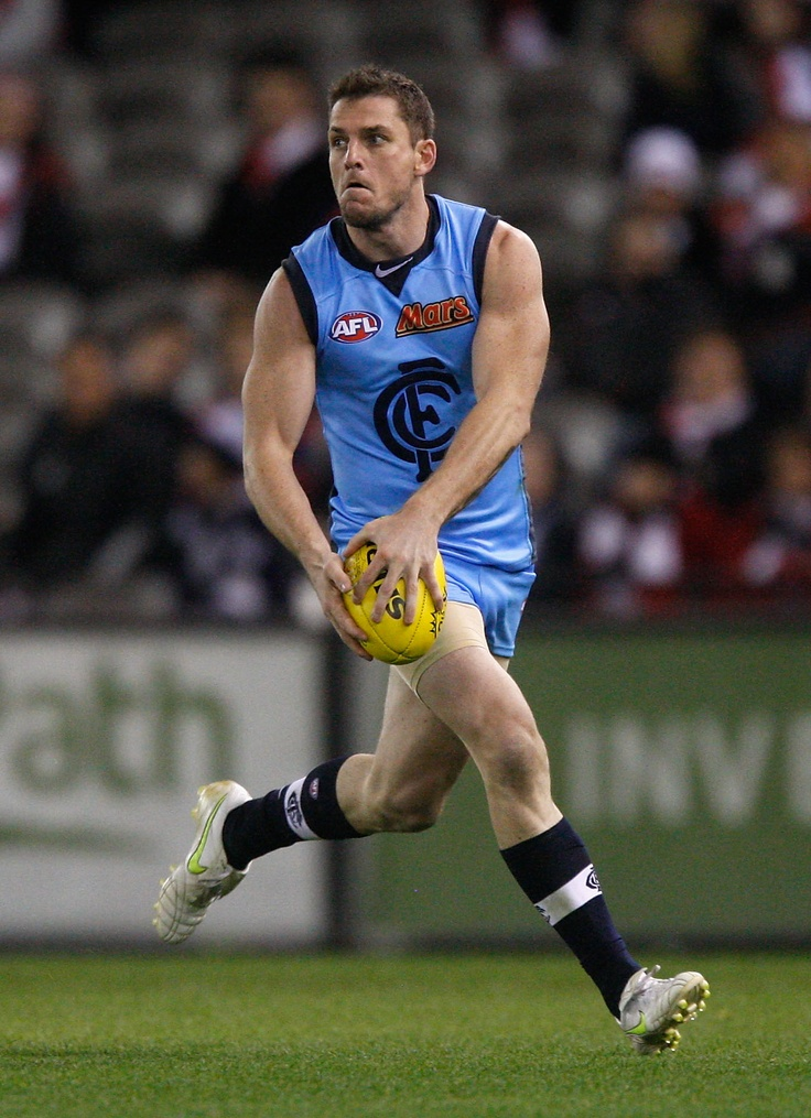 Winding up with the trusty left boot during the 2011 Round 7 match against St Kilda at Etihad Stadium.