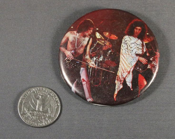 1 Pinback Button Badge Queen Freddie Mecury Brian May Rock N Roll Music Vintage