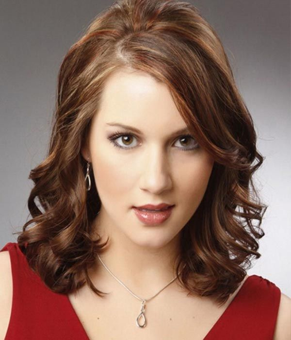Medium length hairstyles for round faces 2015   Short ...
