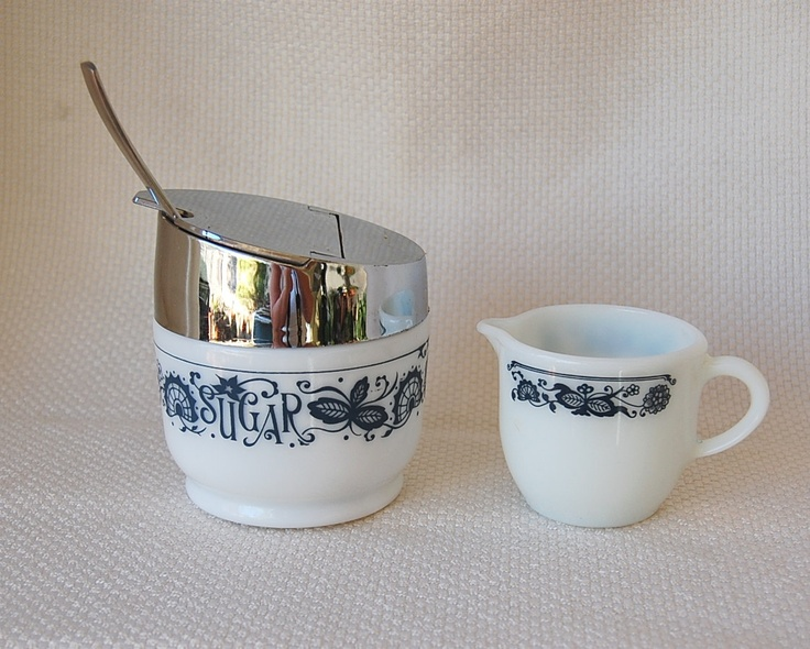 Vintage Pyrex Creamer And Gemco Sugar Bowl Old Town Blue