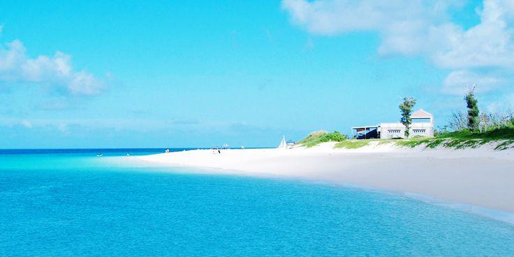 行くのは少し大変だけど、そのぶん美しい海が待っている! 一生に一度は行ってみたい!沖縄の離島ビーチ7選