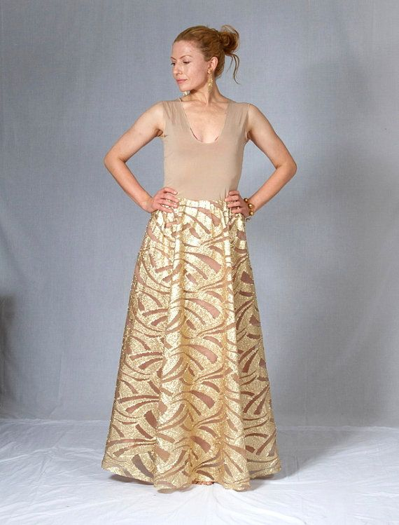 Pure red carpet glamour Gold maxi skirt from the by kisavintage