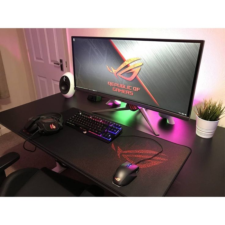 """327 Likes, 2 Comments - Mal - PC Builds and Setups (@pcgaminghub) on Instagram: """"An insane ROG setup! So ncredibly clean. Submitted by: @donaghy2007. Check out the link in my…"""""""