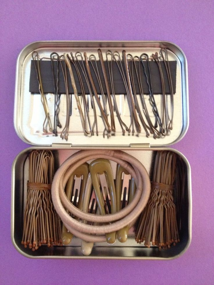 I need this I literally have bobby pins all over my bag!!!