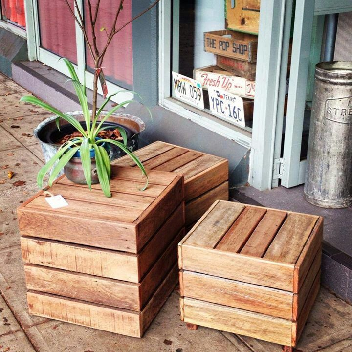 Love these cube tables for patio or living room. Made from pallets or old floor boards maybe?