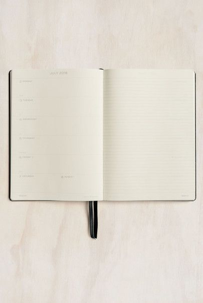 Leuchtturm1917 - 2018 Diary Planner - Weekly + Notebook - A5 (14.5x21cm) - Hard Cover - Black