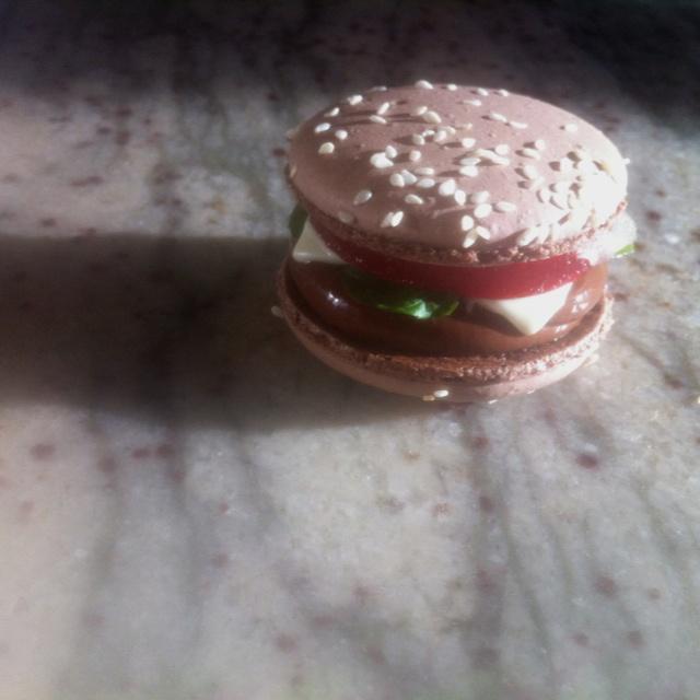 Chocolate Mac-Burger