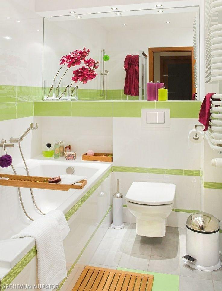 Mała łazienka jest jasna ioptymistyczna. Do aranżacji wnętrza wybrano…