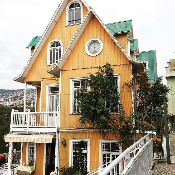 Casitas con encanto en el bonito Cerro Alegre en Valparaiso. #VIS_Chile