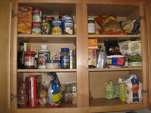 Come pulire gli armadi in cucina