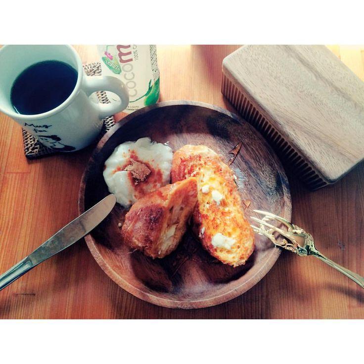 フレンチトースト #フレンチトースト#バゲット#ヨーグルト#ハチミツ#バター#コーヒー#Coffee#ココナッツオイル#ココナッツウォーター#きな粉#朝ごはん#おうちごはん#breakfast #brunch