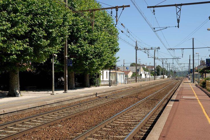 Les récentes perturbations sur les lignes desservies par la gare Montparnasse, impactant des dizaines de milliers de voyageurs un week-end de chassé-croisé entre juillettistes et aoutiens, justifient que l'on rappelle ici les règles d'indemnisation en cas de retard d'un train.
