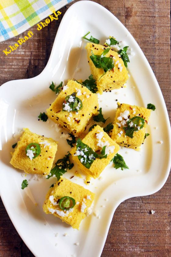 Khaman dhokla, Gujarati Khaman!  Recipe @ http://cookclickndevour.com/khaman-dhokla-recipe-how-to-make  #cookclickndevour #recipeoftheday #vegan #indianfoodrecipes