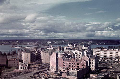 """Näkymä Viipurin kaupunkiin rakenteilla olevasta """"pilvenpiirtäjästä"""". Viipuri"""
