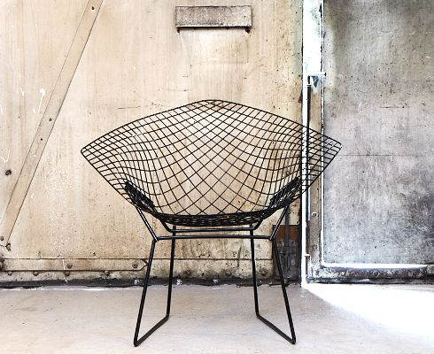 Diamond chair: Bertoia Chairs, Chairs Obsession, Bertoia 1952, Harry Bertoia, Eames Wire, Wire Chairs, Bertoia Diamonds, Chairs Design, Diamonds Chairs Bertoia