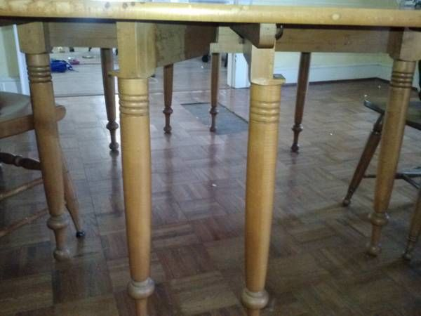 willett furniture close up of maple dining table willett furniture pinterest tables and. Black Bedroom Furniture Sets. Home Design Ideas