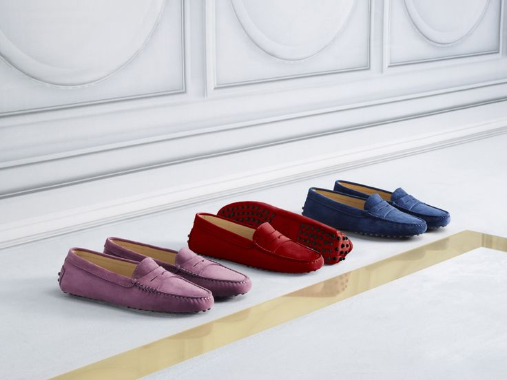 Velvety nubuck leather with a peach fuzz feel and soft suede for the iconic Tod's Gommino, offered in a wide range of colours. #tods #womenswear #fw15