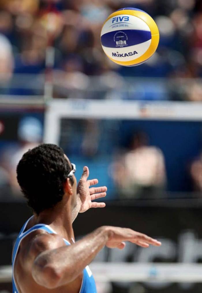 Serve on - Beach Volleyball