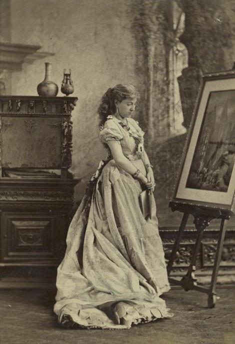 Victorian Era Women's role and Social status