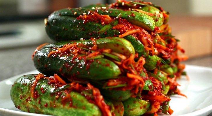 Я уверен, что 99% из вас, мои друзья и подписчики хоть раз в жизни пробовал острую корейскую кухню. И многие из вас хотели бы узнать рецепты этой кухни и готовить подобное дома. Так вот сегодня в моем кулинарном блоге простой и очень вкусный рецепт корейской кухни, под названием «Ои…