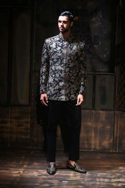 bandhgala black, silver, embrpoidered, dhoti pant, indo western sabyasachi amazon india couture week 2015 bater collection