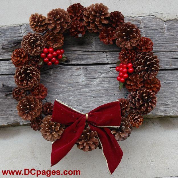 How to Make a Christmas Pinecone Wreath