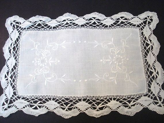 Lovely antique table or buffet centerpiece with hand crochet lace edging, This i believe is Cluny Lace which is created by hand with bobbins, In very