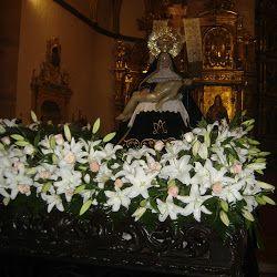 Nuestra Madre del Perdigón. Decoración floral de la mesa para el hermanamiento con Nuestra Madre de Zamora