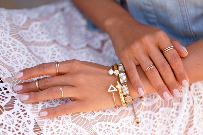 #VLxMEJURI White Velvet bracelet