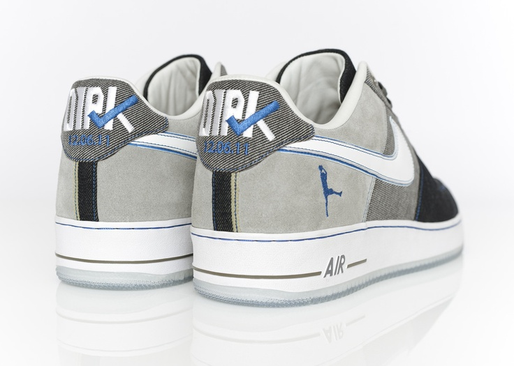 NIKE DESIGNS BESPOKE AIR FORCE 1 FOR DIRK NOWITZKI