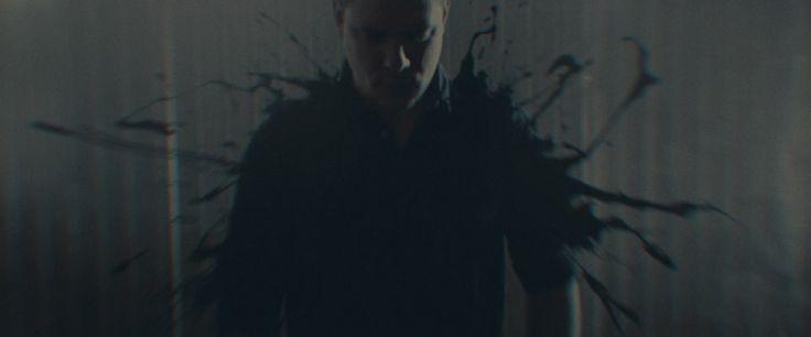 Leander Kills - Valami Folyjon (feat. Icarus)