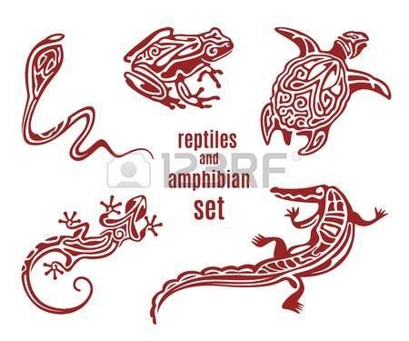 tatuaggio tartaruga: rettili e anfibi stilizzati set di icone vettoriali. silhouette ornamentale di serpente (cobra), rana, tartaruga, salamandra (lucertola). Sketch di tatuaggio. Africano, indiano, disegno totem messicano. illustrazione di vettore Vettoriali