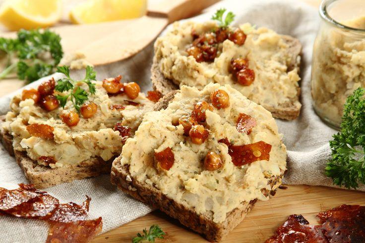 Sprawdzony przepis na Pełnoziarniste kanapki z wegańskim smalcem z cieciorki. Wybierz sprawdzony przepis eksperta z wyselekcjonowanej bazy portalu przepisy.pl i ciesz się smakiem doskonałych potraw.
