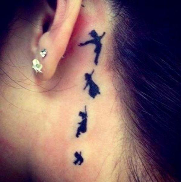tattoos ideen tattoo hinter dem ohr peter pan