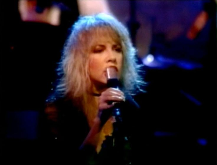 My favorite performance of this song.. Stevie  she is truly a legend  Sisters of the Moon ~ FLEETWOOD MAC. '82 Mirage Tour