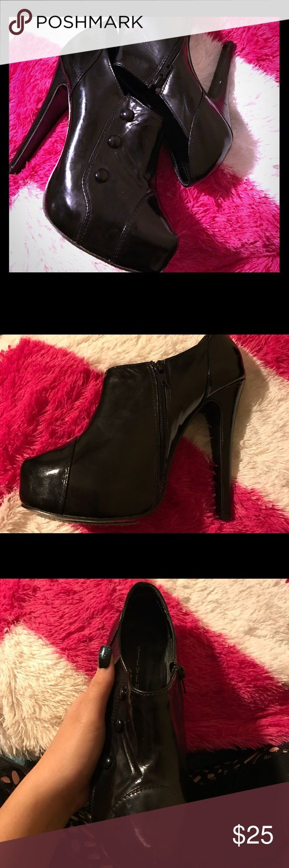 Black stiletto heels Shiny black, buttons shown on side of foot visible to people for decoration, a zipper on the inside, stiletto heel which is 5 inches. Brand new never worn. Steve Madden Shoes Heels