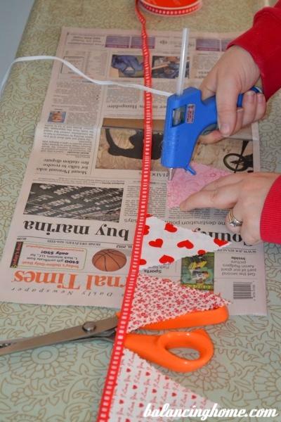 no sew bunting- hot glue!