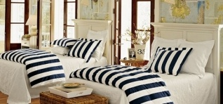 love this for my boys: Idea, Beaches House, Guest Bedrooms, Boys Rooms, Maps Wallpapers, Twin Beds, Guest Rooms, Stripes, Kids Rooms